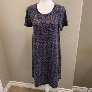 NWOT LulaRoe Dotted Pattern Carly Midi Dress